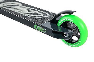 phoenix-pilot-pro-scooter-black-green-64e6ea443fb5594c35146f3a07c51620